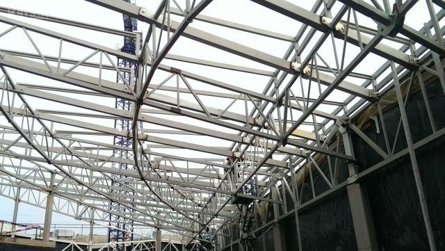 Dach łukowy na Galerii Sudeckiej w Jeleniej Górze.