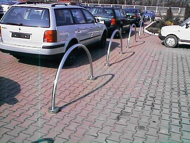 Zapory parkingowe.